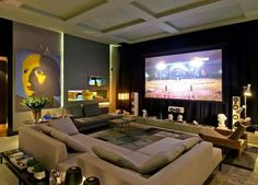 The decoration of home theaters in small or large environments can be made with lots of creativity and good taste. The decoration is an art that should be Home Cinema Room, Home Theater Rooms, Home Theater Seating, Home Theater Design, Home Interior Design, Salas Home Theater, At Home Movie Theater, Theatre, Home Theather
