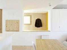 An Urban Refuge /Sergi Pons Architecte Minimalist Apartment, Minimalist Interior, Minimalist Home, Barcelona Apartment, Yellow Doors, Minimal Living, Cool Apartments, Apartment Interior Design, Open Plan Living