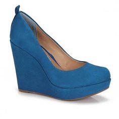 Azul Incrível -Cravo e Canela na PassarelaCalçadosR$159,99http://www.facebook.com/pages/Made-Me-Du/458863467530343Imagem: Site Passarela