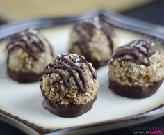 A Raw Vegan German Chocolate Pie can only be followed by Gluten-Free Vegan German Chocolate Macaroons recipe, right? ;) ... packed with wholesome goodness..