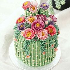 fun dessert for the summer - Cactus cake! - Backen a fun dessert for the summer – Cactus cake! a fun dessert for the summer – Cactus cake! Pretty Cakes, Cute Cakes, Beautiful Cakes, Amazing Cakes, Beautiful Things, Beautiful Pictures, Bolo Tumblr, Cactus Cake, Cactus Cupcakes