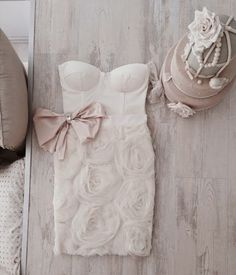 Wedding gown - short lace dress with bow - Bridal Style Short Lace Dress, Short Dresses, Prom Dresses, Wedding Dresses, Mihano Momosa, 3d Rose, Groom Wear, Little White Dresses, Girly Outfits