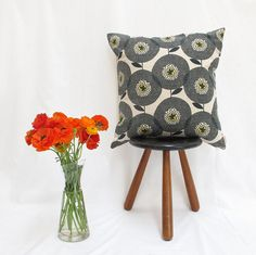 Cushion cover 50x50cm - Flower Field in Penny Black