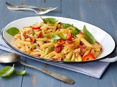 Maukkaat raaka-aineet saavat aikaan sopivan mausteisen pasta-aterian.