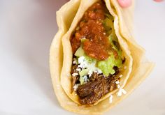Shredded Beef Tacos recipe from Use Real Butter. Ingredients: 1 lbs eye of chuck (which is not beef chuck roast), 4 tbsp vegetable oil, 2 tbsps vinegar, 2 tbsps fresh lime juice,. Chorizo Recipes, Entree Recipes, Wrap Recipes, Mexican Food Recipes, Shredded Beef Recipes, Shredded Beef Tacos, Yummy Taco, Yummy Food, Fried Tacos
