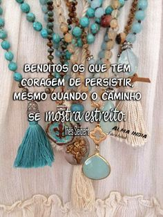 Image in Cris's messages collection by Cris Figueiredo Optimism, Namaste, Tassel Necklace, Inspirational Quotes, Messages, Gifts, Decoupage, Humor, Facebook