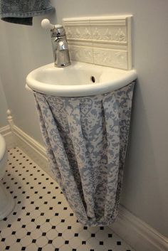 Superbe Hide The Clutter! Quick DIY Fabric Projects To Spruce Up Your Home.  Bathroom Sink SkirtUnder ...