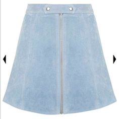Topshop Blue Tab Button Suede Skirt This is a beautiful light blue suede skirt. Perfect for fall and winter. It can be dressed up or dressed down. Perfect for pairing with with a moc neck sweater and booties or even lace up flats! It is brand new with the tags still attached and never been warn. Offers are welcomed through the offer tab within the app. Any other questions? Feel free to ask away! Topshop Skirts Mini
