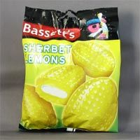 A favourite sweet when growing up. British Candy, British Sweets, Memory Food, Old Fashioned Sweets, Grow Up People, Growing Up British, British Things, Chocolate Sweets, Snack Recipes