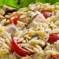 Chicken Basil Orzo Salad Recipe Give orzo a Californian twist with diced chicken and fresh basil. Chicken Orzo, Spinach Stuffed Chicken, Diced Chicken, Chicken Salad, Orzo Salad Recipes, Pasta Recipes, Cooking Recipes, Quick Recipes, Healthy Recipes