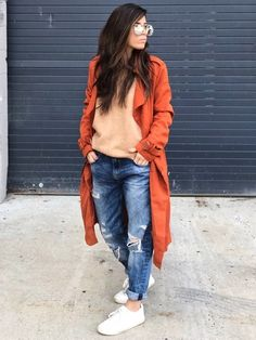 Jeans (fit/destroy/wash) shoes with jeans, layers Classy Outfits For Women, Everyday Casual Outfits, Clothes For Women, Boho Fashion, Autumn Fashion, Fashion Looks, Fashion Outfits, Fashion Ideas, Looks Instagram