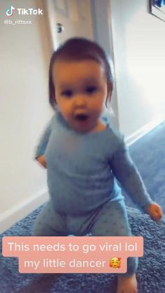 Cute Funny Baby Videos, Crazy Funny Videos, Funny Baby Memes, Funny Vidos, Cute Funny Babies, Funny Animal Jokes, Funny Videos For Kids, Super Funny Videos, Really Funny Memes