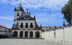Convento e Igreja de Nossa Senhora do Carmo, em João Pessoa, capital do estado da Paraíba, Brasil.  Fotografia:   Thaisy Sluszz / www.guiaviagensbrasil.com.br