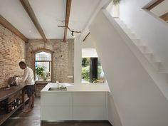 gli interni moderni di una casa di campagna ristrutturata - Living