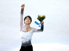〈ソチオリンピック(男子フリー)〉 優勝し、観客席に向かってガッツポーズをする羽生結弦=川村直子撮影