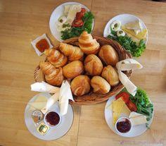 Frühstück in Mayras Wohnzimmer Café in Bonn