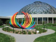 The Des Moines Botanical Center is a beautiful place to go on a date or take kids to learn all about plant life. Great Places, Places To See, Beautiful Places, Botanical Center, Wisconsin, Michigan, Des Moines Iowa, Public Garden, Iowa State