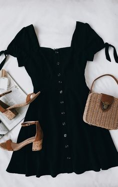 44 Best Casual Slip Dress Outfit Ideas for Spring 2019 67 Source by bigpotatoo Dresses Mode Outfits, Fashion Outfits, Womens Fashion, Fashion Clothes, High Fashion, Fashion Heels, Dress Fashion, Fashion Fashion, Trendy Fashion