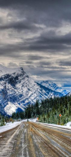 Icy winter road, Icefields Parkway, Banff and Jasper National Parks Alberta Canada | 23 Roads you Have to Drive in Your Lifetime