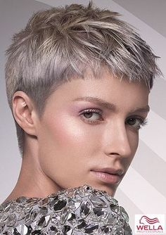 Hair Styles For Women Textured pixie in cool blond shades – Pixie Hairstyles Pictures – COSMOTY. Super Short Hair, Short Grey Hair, Short Blonde, Short Hair Cuts For Women, Short Hair Styles, Short Pixie Haircuts, Short Bangs, Short Pixie Cuts, Buzzed Pixie