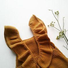 Fall Duo Baby Romper Knitting pattern by Agasalhos e Bugalhos Baby Knitting Patterns, Knitting Stitches, Cute Baby Girl, Cute Babies, Baby Girls, Work Flats, Dk Weight Yarn, Lang Yarns, Paintbox Yarn
