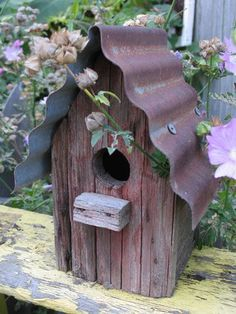 Bird House Kits Make Great Bird Houses Garden Junk, Garden Art, Garden Design, Rusty Garden, Garden Birds, Garden Hose, Bird House Feeder, Rustic Bird Feeders, Bird House Kits