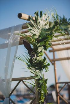 Modern Tropical Wedding Ceremony Arch Decor // Wedding Venue: Catamaran Resort Hotel and Spa San Diego // Planning Design and Coordination: Events Inspired // Photography: Next to Me Studios // Videography: Lloyd Films // Floral: Isari Flower Studio Woods Wedding Ceremony, Wood Wedding Arches, Modern Wedding Venue, Beach Ceremony, Best Wedding Venues, Wedding In The Woods, Decor Wedding, Wedding Decorations, Floral Decorations