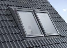 """Luz diurna y altura libre: Velux compite con buhardillas """"Panorama"""" y """"Raum"""" - Luz diurna y altura libre: Velux compite con buhardillas """"Panorama"""" y """"Raum"""" Estás en el lugar corr - A Frame House Plans, Roof Installation, Roof Window, Attic Renovation, Attic Rooms, Bedroom Loft, Bungalow, Ramen, New Homes"""