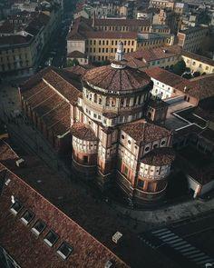 1,521 отметок «Нравится», 3 комментариев — Italy | Travel community (@imagesofitaly) в Instagram: « Milan, Italy. by: @ioramram Tags: #instatravel #paesaggi_italiani #bestdiscovery #wanderlust…»