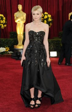 Pin for Later: 85 Unforgettable Looks From the Oscars Red Carpet Carey Mulligan at the 2010 Academy Awards Carey Mulligan was fashion forward and cool in Prada in 2010.
