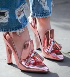 50 Footwear Fashion Shoes To Inspire - Shoes Market Experts Zapatos Shoes, Shoes Heels, Pink Shoes, Gold Shoes, Copper Shoes, Gold Pumps, Sexy Heels, Cute Shoes, Me Too Shoes