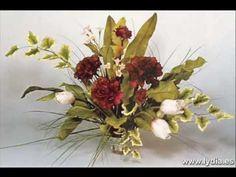 LYDIA - PORCELANA FRÍA - Rosas rojas con Tulipanes.wmv