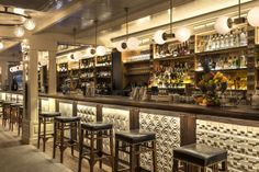 Restaurante Ajoblanco, tapas de alto nivel y coctelería creativa en la calle Tuset