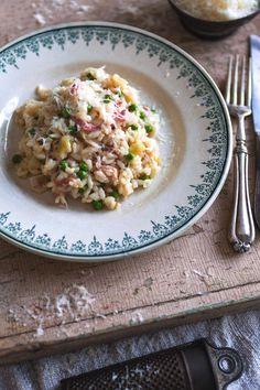 Leak, pancetta and pea risotto Polenta, Rissoto, Gnocchi, How To Make Risotto, Quinoa, Fondue, Risotto Rice, Good Food, Bulgur
