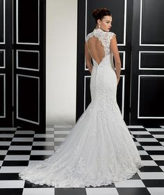 Venice Lace/Soft Tulle - 77946 Fabric: Venice lace / Soft tulle Colors available:  Ivory or White