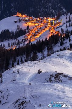 Greetings Card-The village of Colle Santa Lucia, seen from above on a cold winter evening, Belluno-Photo Greetings Card made in the USA Santa Lucia, The Places Youll Go, Places To See, Beautiful World, Beautiful Places, Adventure Is Out There, Winter Scenes, Land Scape, Holland