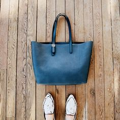 The Petra Market - Bright Navy (limited) – Everlane