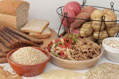 Питание для жиросжигания и набора мышц    Сейчас самое интересное, питание разделенное на две части: низкое   содержание калорий или углеводов и высокоуглеводное питание.    http://bodysportal.com/pitanie/pitanie-zhiroszhiganie-nabor-myshts