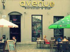 Avenue restaurant krakow.Es muy conocido por su tipica comida americana. Ubicado en Tomasz Nosek, Józefa 25.