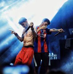 Music Power, Wonderwall, Crushes, Hip Hop, Concert, Boys, People, Red Roses, Singers