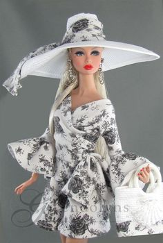 W Fine Porcelain China Diane Japan Key: 1246766372 Doll Clothes Barbie, Vintage Barbie Dolls, Barbie Dress, Fashion Royalty Dolls, Fashion Dolls, Fashion Outfits, Moda Barbie, Manequin, Poppy Doll