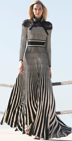 Fashion Mode, Modest Fashion, Look Fashion, Couture Fashion, Runway Fashion, High Fashion, Fashion Dresses, Womens Fashion, Fashion Design