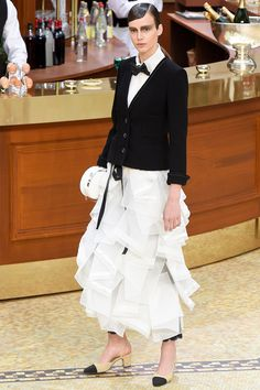 So in love with this collection! Karl is on point again.  chanel-rtw-fw15-runway-90 – Vogue