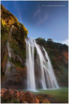 Dadieshui Waterfall, Shilin County, Yunnan, China