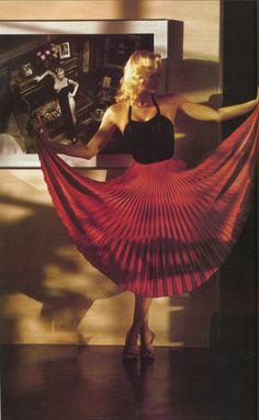 Helmut Newton 1978. The lighting is fantastic.