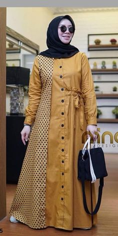 Islamic Fashion, Muslim Fashion, Abaya Fashion, Fashion Dresses, Dress Neck Designs, Blouse Models, Muslim Dress, Batik Dress, African Fashion