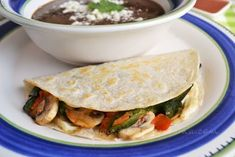 Mushroom Quesadillas Healthy Eating Recipes, Mexican Food Recipes, Real Food Recipes, Vegetarian Recipes, Ethnic Recipes, Keto Diet For Vegetarians, Quesadilla Recipes, Stuffed Poblano Peppers, Appetizer Recipes