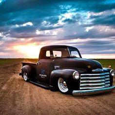 Ole' Chevy Pick Up
