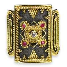 Roman Shield Black Gold Ring
