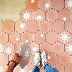 And now I want pink tiles again.stars are always my favorite but this soft almost salmon colored pink is so beautiful. Thanks for the inspiration 💕